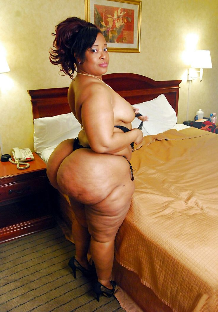 mature and fuck and dressng room and bbw